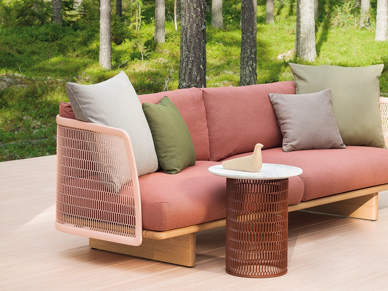Kettal's Mesh collection, with its architectural style, was created to allow light and air to flow through the outdoor furnishings.