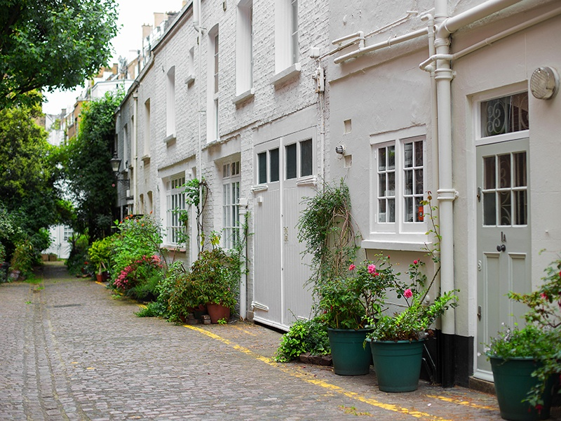 London's South Kensington neighborhood is known for its meticulously maintained courtyards and Victorian stuccoed houses, as well as its easy access to Royal Parks, luxury shopping, and world-class museums. Photograph: Alamy