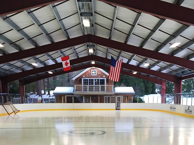 Fans of ice hockey or any ice-based pursuits will enjoy the private ice rink, complete with locker room facilities.