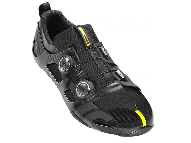 Uniquely constructed, Mavic's Comete Ultimate racing shoe has a carbon frame for consistent power and a low stack height for full ankle range of motion.