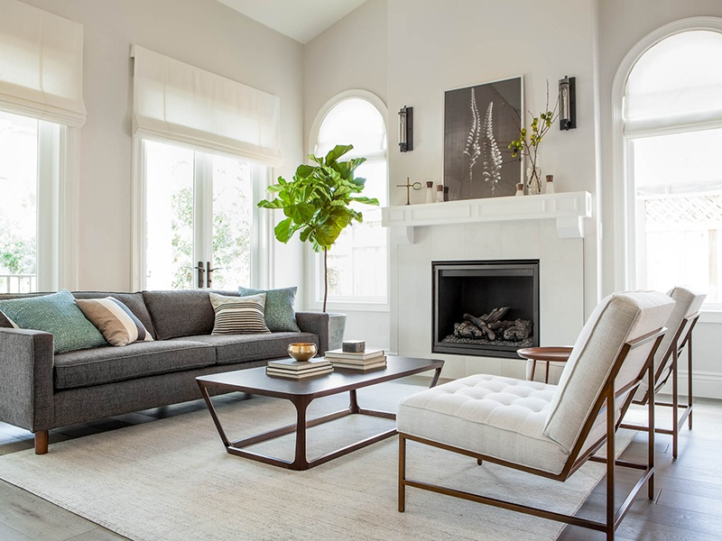 For a home in Palo Alto, California, Niche Interiors paired streamlined design with a mix of custom-designed non-toxic upholstery, natural fabrics, zero-VOC paints, and solid wood furniture.