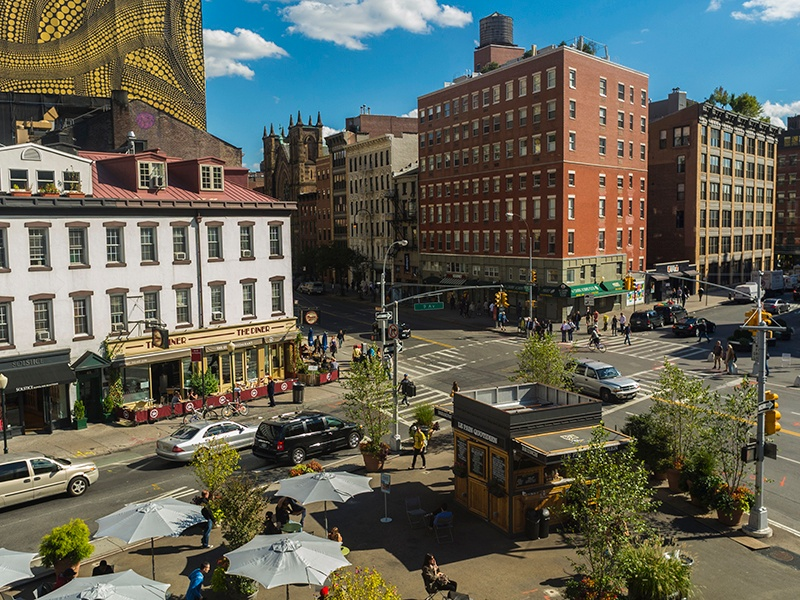 New York City's Meatpacking District stretches from Gansevoort Street in the south to West 14th in the north, and from the Hudson River east to Hudson Street. Banner image: The High Line elevated urban park. Photograph and banner image: Getty Images
