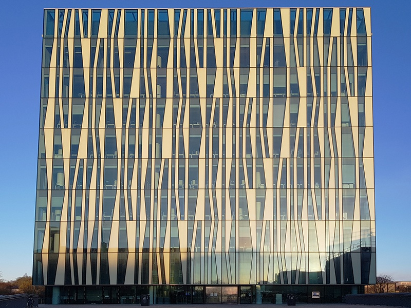 """With 1,200 study spaces, the Sir Duncan Rice Library in Scotland was created to provide """"a meeting place and a cultural center for the university and the wider Aberdeen community."""""""