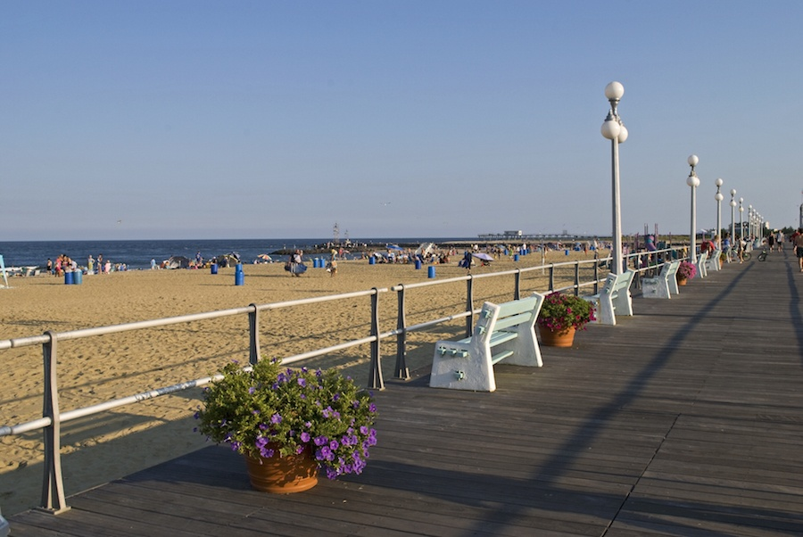 The Jersey Shore has dozens of shore towns with beaches large and small that appeal to families with young children. Many of them have old-fashioned boardwalks which offer amusements, food and drink, and prime people-watching along the shore.