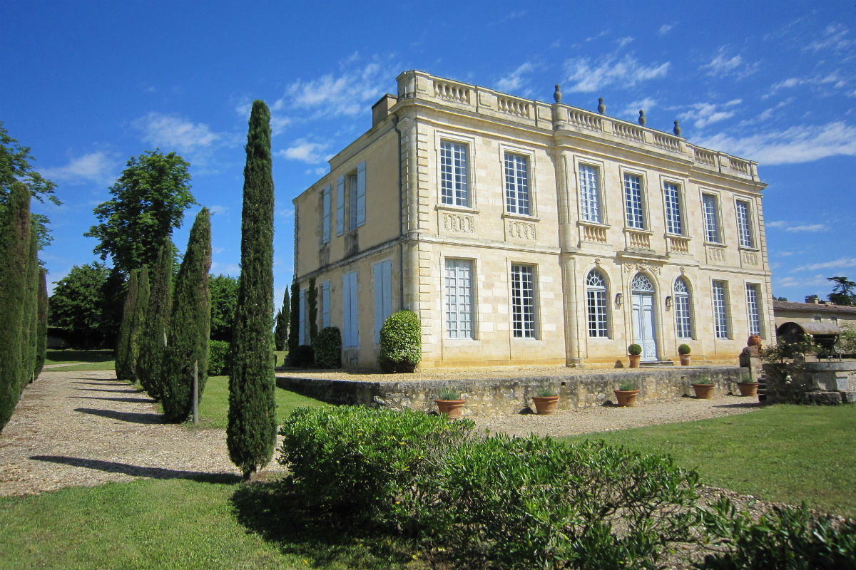 Château de Birot, a historic 34-hectare vineyard estate in Cadillac Cotes de Bordeaux, was sold by Vineyards-Bordeaux to a Chinese buyer.
