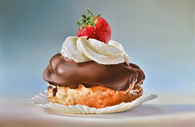 A self-taught artist, Tjalf Sparnaay often uses photographs as a reference when creating his detailed paintings, such as <i>Pastry with Strawberry</i> (2016).