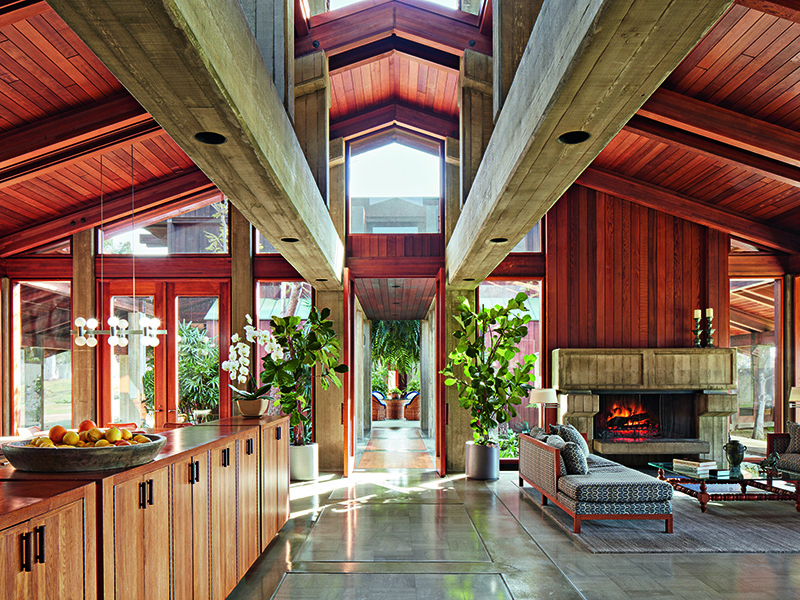 This stunning property encompasses over 210 acres and was designed in the 1970s by modernist architect Fred Briggs using redwood and poured concrete throughout. Photograph above and banner image: Roger Davies