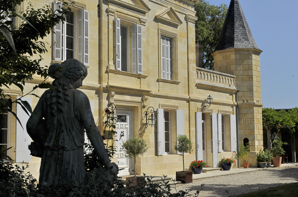 An 18th-century vineyard château in Bordeaux
