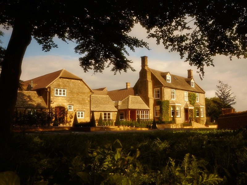 Dormy House Hotel's origins as a 17th-century Cotswold farmhouse are obvious from its country-quaint exterior. In the 1940s, the house was bought by Broadway Golf Club next door and renamed Dormy House.