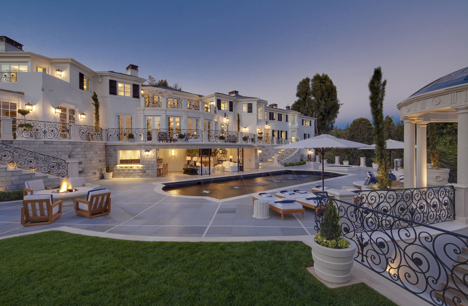 Liongate, Bel-Air, California