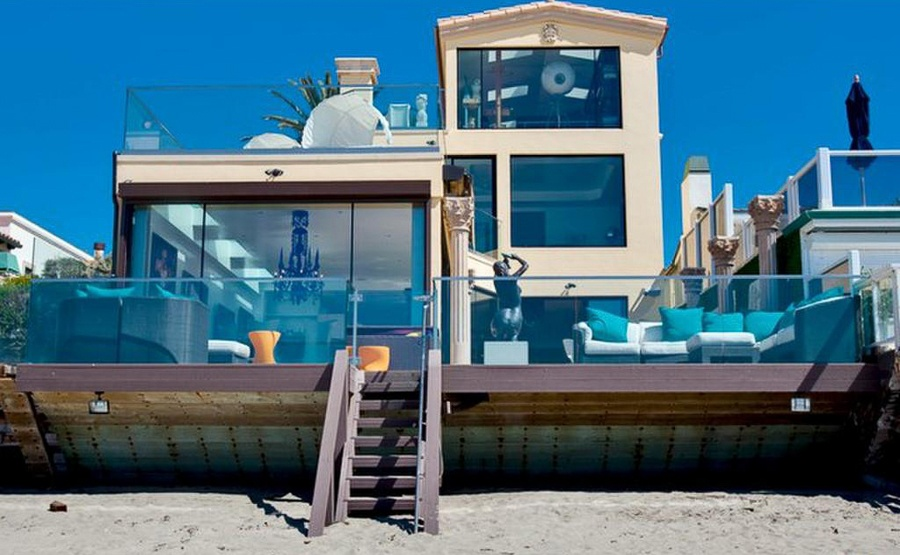 This six-bedroom oceanfront estate in Malibu is the quintessential California beach house. Interior amenities abound, from the jacuzzi and sauna to the chef's kitchen and pizza oven, and the views are breathtaking. But the real jaw-dropper is the beach that sits mere steps from the house, perfect for swimming or just observing dolphins and sea lions as they glide by.
