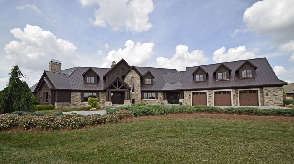 Private & exclusive Midwestern estate embodying luxurious family living while offering a pure recreational retreat.