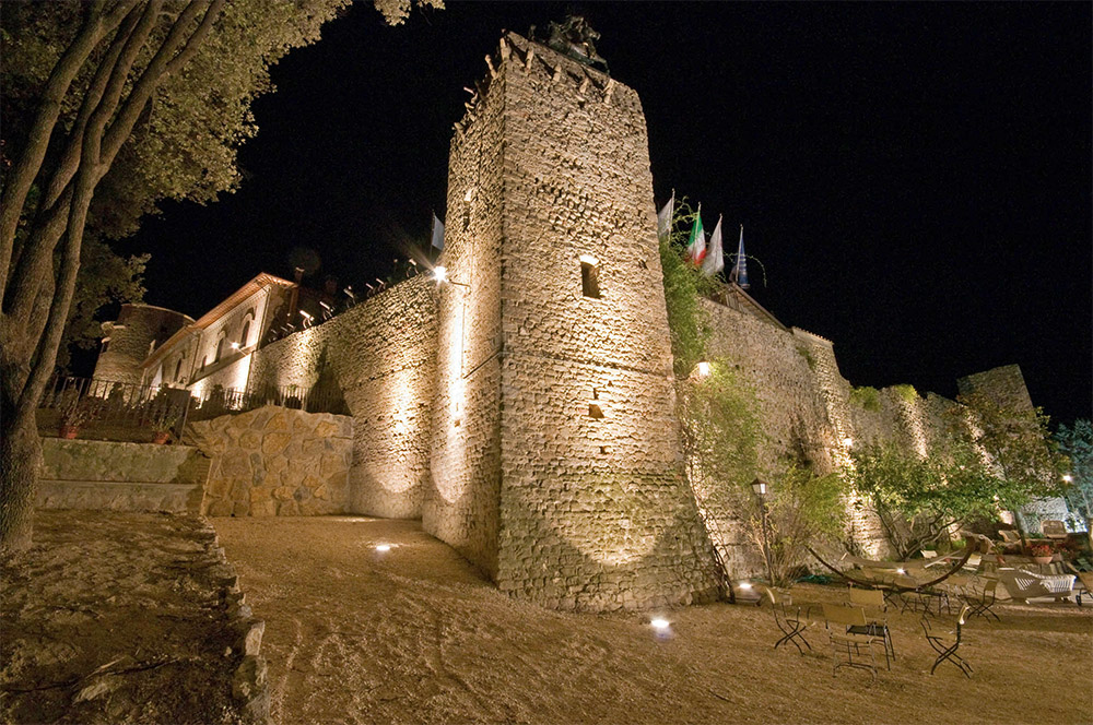 This luxurious castle is an ancient medieval fortress which has been built at the beginning of the 12th century.