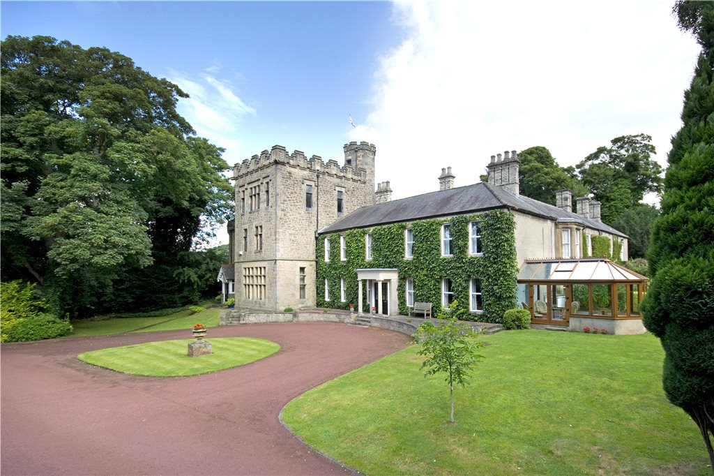 Walbottle Hall is a magnificent 18th-century luxury property comprising two wings of the original manor.