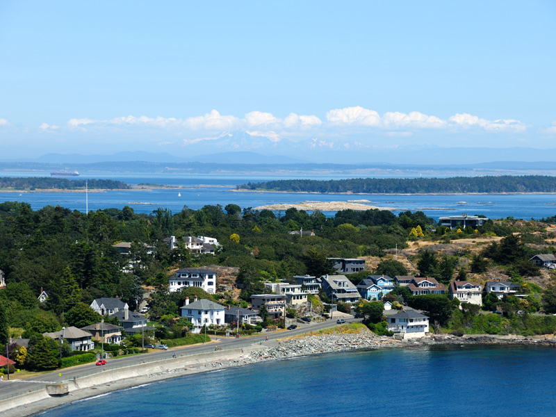 The waterfront homes of Victoria's Oak Bay neighborhood are highly sought after. Image: Shutterstock